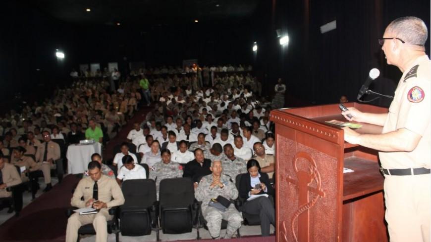 COOPINFA imparte charla en la Armada sobre beneficios que brinda a soldados dominicanos