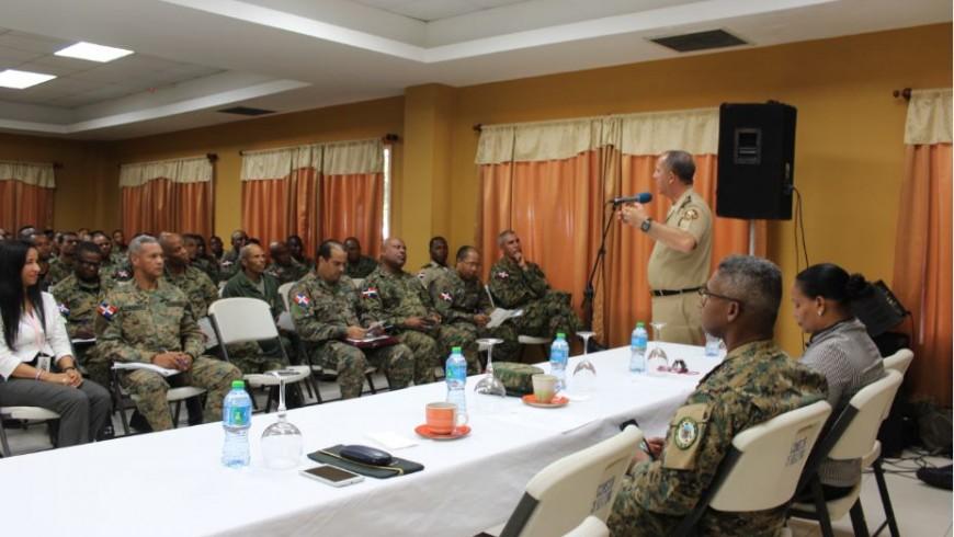 Primera Brigada Ejército Nacional recibe charla sobre beneficios de COOPINFA para soldados dominicanos