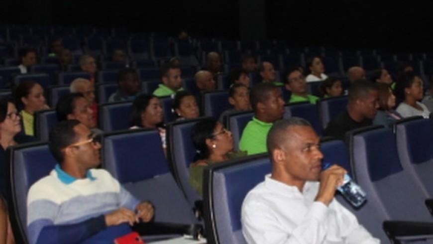 Socios y empleados de Coopinfa reciben charla acerca de los Derechos del Consumidor